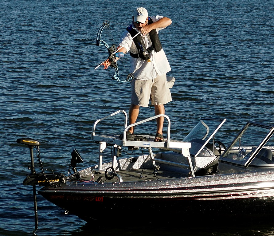 Edge bowfishing edge platforms for Fishing platform boat